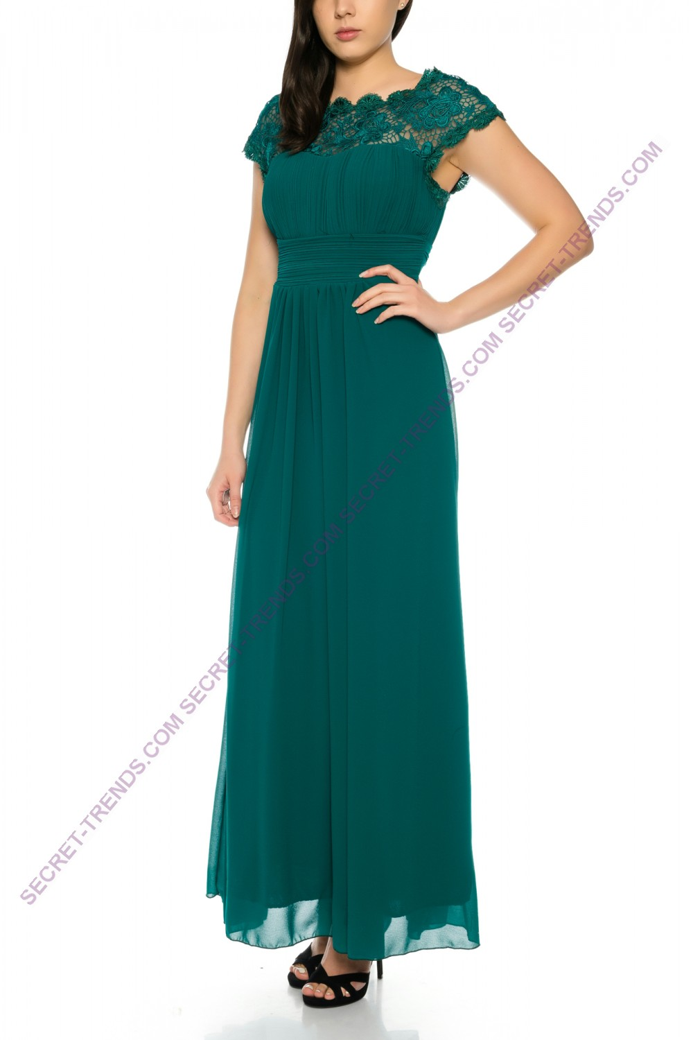 Beautiful simple maxi evening dress with ruffles on the chest and ...
