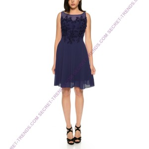 Lightweight chiffon cocktail dress with oversized floral embroidery